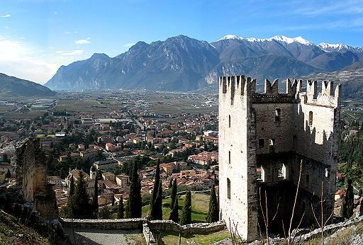 Panorama di Arco dal Castello